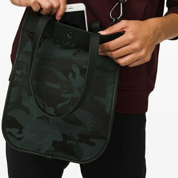 Lululemon 8L now and always mini tote shopper